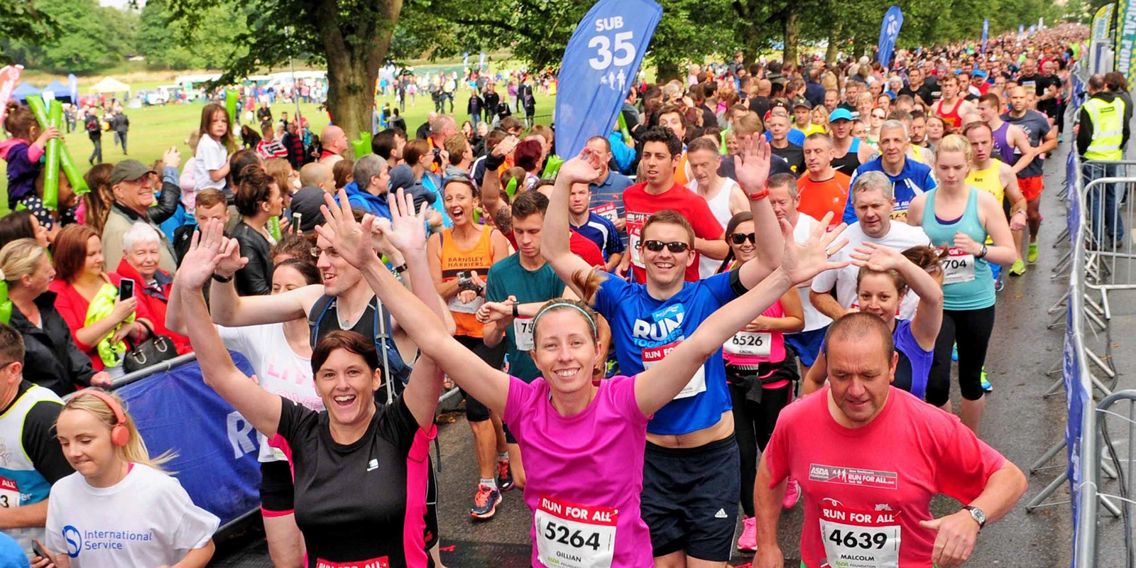 a crowd taking part in the York 10k
